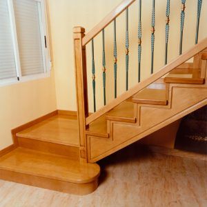 barnizados de escaleras de madera en Bilbao